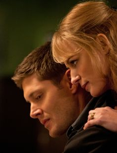Supernatural Slide-Show: Dean Winchester's Most Memorable Scenes: Eve embodying Mary Winchester; Dean having ingested Phoenix ash tricks her