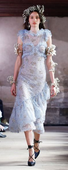Rodarte Spring-summer 2018 - Ready-to-Wear Fashion Models, High Fashion, Fashion Outfits, Fashion Designers, Denim And Lace, Costume Design, Couture Fashion, Nice Dresses, Ready To Wear