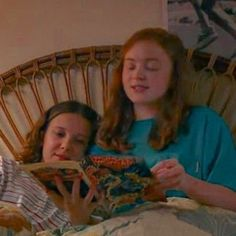 What if max and eleven become gay for each other😱😱😱😱 Stranger Things Kids, Stranger Things Aesthetic, Stranger Things Netflix, Millie Bobby Brown, Best Tv Shows, Favorite Tv Shows, Sadie Sink, Film Serie, Picture Video
