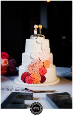Origami inspired wedding cake, fondant decorations, pink ombré, Wedding cake by Sugar and Spice Specialty Desserts - Carmen Salazar Photography