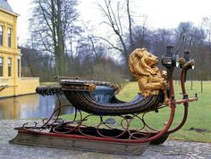 wow! really lovely antique sleigh