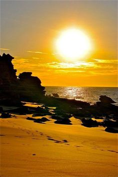 Shining Sun over Eco Beach Resort Kimberley Australia Beautiful Sky, Beautiful Beaches, Beautiful Landscapes, Beautiful World, Surf, Western Australia, Photos, Pictures, Sun Moon