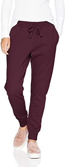 Amazon Essentials Women's French Terry Fleece Jogger Sweatpant #amazon #amazonprime #primeday #affiliate Fleece Joggers, Jogger Sweatpants, Best Joggers, Baggy Sweaters, Amazon Essentials, Comfy Pants, Joggers Womens, Fashion Joggers, Pretty Outfits