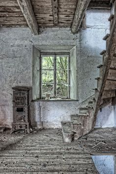 Room with old cast iron fireplace, abandoned Escalier by rivende, via Flickr
