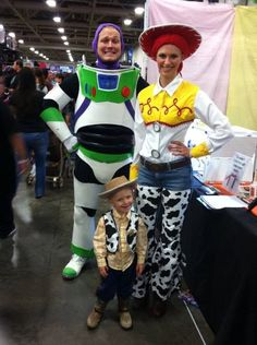 Forget cheap costume store versions — make your Buzz Lightyear costume out of foam.