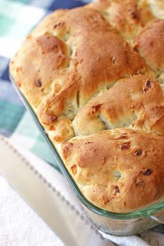 Herb Onion Batter Bread | A no knead casserole bread with all the flavor of herb stuffing.