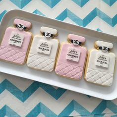 Fabulous chanel cookies by sweet cheeks cakes and cookies. Chanel Cookies, Chanel Cake, Chanel Party, Chanel Cupcakes, Bridal Shower Favours, Chanel Bridal Shower, Iced Cookies, Royal Icing Cookies, Chanel Birthday Cake