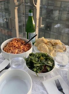 Think Food, I Love Food, Good Food, Yummy Food, Delicious Meals, Comida Picnic, Food Goals, Aesthetic Food, Gold Aesthetic