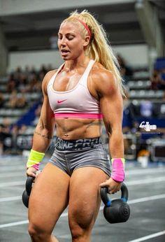 Female Crossfit Athletes, Crossfit Women, Female Athletes, Gewichtsverlust Motivation, Fitness Motivation Pictures, Crossfit Motivation, Crossfit Chicks, Muscular Women, Muscle Girls