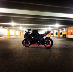 Sexy right? Pink motorcycle suzuki gsx