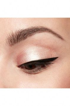 Stila Cosmetics Eye-Conic Stay All Day Waterproof Liquid Liner and Shimmer & Glow Liquid Eye Shadow #HowToDoEyeliner How To Do Eyeliner, Simple Eyeliner, Winged Eyeliner Tutorial, Winged Liner, Eye Liner, Liquid Eyeshadow, Liquid Liner, Eye Shadow Images, Stila Cosmetics