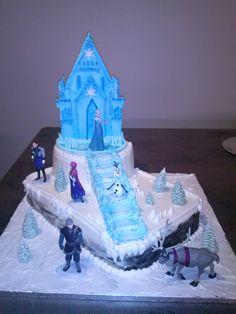 Eiskönigin  Elsa Frozen Torte Frozen Party Cake, Frozen Birthday Cake, Princess Birthday, Elsa Frozen, Elsa Torte, Jasmine Cake, 4th Birthday Parties, Birthday Ideas, Winter Wonderland Birthday