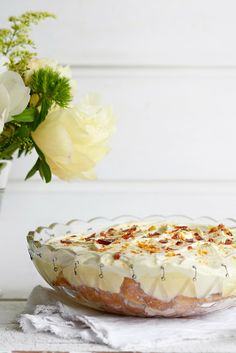From The Kitchen: Vanilla Rhubarb Tiramisu Summer Desserts, Just Desserts, Delicious Desserts, Yummy Food, Tasty, Rhubarb Recipes, Sweets Recipes, Cooking Recipes, Rhubarb Rhubarb