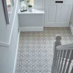 1930s House Hallway With Grey Patterned Lino Ultragrip