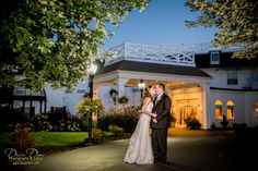 Talk about perfect timing! Great job by Dexter Davis Photography and the bride & groom for getting such a great photo when the sky had the best lighting!
