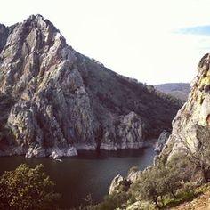 Es que por mucho que lo intentes, no hay ninguno que pueda considerarse bonito o digno de ser retratado.   30 razones para no poner jamás un pie en Extremadura