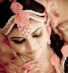 Floral Jewellery (Artificial) for Mehendi.