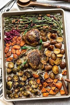 Sheet Pan Turkey Dinner For Two - an easy and healthy one pan Thanksgiving meal recipe for two (or four). Best of all, everything cooks up in under an hour - pinnerstan Thanksgiving Dinner For Two, Thanksgiving Recipes, Holiday Recipes, Holiday Ideas, Easy Chicken Dinner Recipes, Vegetarian Recipes Dinner, Turkey Recipes, Meat Recipes, Healthy Cooking