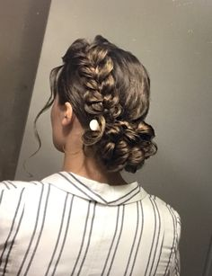 Timeless Prom Hairstyles Everyone Loves Creative Hairstyles, Elegant Hairstyles, Messy Hairstyles, Pretty Hairstyles, Hairstyle Ideas, Church Hairstyles, Middle Part Hairstyles, Pentecostal Hairstyles, Braided Hairstyles Tutorials