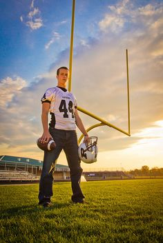 football pictures Senior football Picture Poses for Men Football Poses, Football Senior Pictures, Senior Year Pictures, Sports Pictures, Boy Senior Pictures, Cheer Pictures, Softball Pics, Volleyball Pictures, Football Field