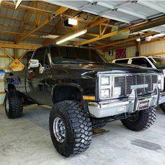 old trucks chevy Chevy Trucks Older, Chevy Pickup Trucks, Lifted Chevy Trucks, Gm Trucks, Chevy Pickups, Chevrolet Trucks, Diesel Trucks, Cool Trucks, Chevy 4x4