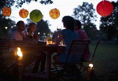 Come organizzare una cena all'aperto [FOTO]