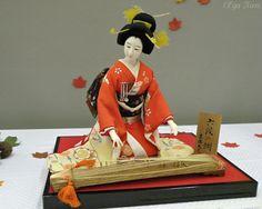 Kimekomi ... 2009 Exhibit at Singapore Philatelic Museum. Handcrafted by members of Traditional Edo-Kimekomi Dolls Sachiei-Kai, Japan.
