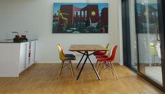 Elegantes Design | Massivholz Esstisch - Massivholz-Design Design Tisch, Eames, Designer, Chair, Furniture, Home Decor, Armchair, Oak Tree, Decoration Home
