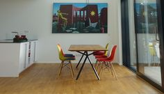 Elegantes Design   Massivholz Esstisch - Massivholz-Design Design Tisch, Eames, Designer, Chair, Table, Furniture, Home Decor, Types Of Wood, Armchair
