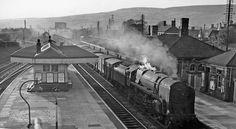 Llantrisant_(Pontyclun)_railway_station_geograph-2135546.jpg (1024×561)