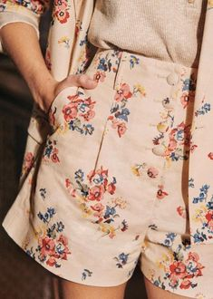 Pretty Outfits, Cool Outfits, Look Fashion, Fashion Outfits, Men Fashion, Inspiration Mode, Spring Collection, Floral Tops, Casual Outfits