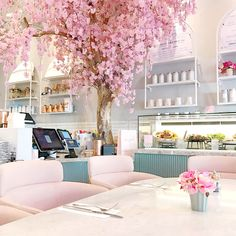 Super Ideas For Brunch Cafe Interior Design Bakery Interior, Cafe Interior Design, Cafe Design, Cake Shop Interior, Bakery Decor, Cafe Restaurant, Restaurant Design, Bakery Cafe, Restaurant Ideas