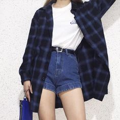 We care that you look stylish and chic at ALL times. SO we've created a smorgasbord of vacation outfit inspiration for you. Edgy Outfits, Grunge Outfits, Teen Fashion Outfits, Korean Outfits, Mode Outfits, Retro Outfits, Cute Casual Outfits, Style Outfits, Korean Girl Fashion