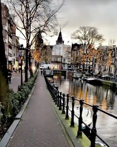 Top 10 Tourist Attractions in Amsterdam - Tour To Planet Beautiful Places To Travel, Wonderful Places, Cool Places To Visit, Places To Go, Beautiful Nature Scenes, Beautiful Landscapes, Places Around The World, Around The Worlds, Paradis Tropical