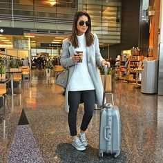 Airport Outfit Long Flight, Airport Travel Outfits, Airport Attire, Travel Attire, Flight Outfit, Airport Style, Airport Look, Travel Clothes Women, Clothes For Women