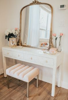 Most people love to make changes to their home all the time, but unfortunately, they aren't very good at interior design. Interior design does not have to be Dressing Table Design, Bedroom Dressing Table, Dressing Table Vanity, Dressing Table Girl, Dressing Tables With Mirror, Dressing Table Inspo, Dressing Room Decor, Vintage Dressing Tables, Bedroom Table