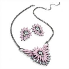 Really nice pink neclace with earings