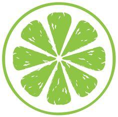 Krydrede grønnkålchips er crispy, det smaker godt og er sunt. Kan serveres som kos på kveldene og du kan spise det med god samvittighet. Passer også som tilbehør til maten.     Ingredienser: (ca 2 brett)  En pakke grønnkål Rapsolje / olivenolje Ønsket krydder  Forslag tilbehør:  Salt Chilipulver Oregano