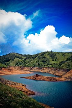 Lakkidi Lake is in the Avalanche Zone at Ooty, Southern India.