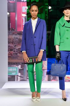 Last fall, Kate Spade New York did a bit of navel-gazing by looking to the Big Apple for inspiration. But a year later, and it seems the Kate Spade girl is Fashion Pants, Fashion Models, Fashion Show, Fashion Designers, Runway Fashion, Fashion Outfits, Kate Spade, Black Urban Fashion, Style Photoshoot