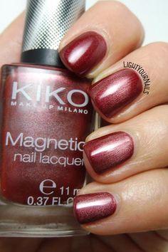 Kiko Magnetic 702 #kiko #kikocosmetics #magneticnails #nails #smalto #lightyournails http://www.lightyournails.com/2017/10/kiko-magnetic-702-rosso-rame.html