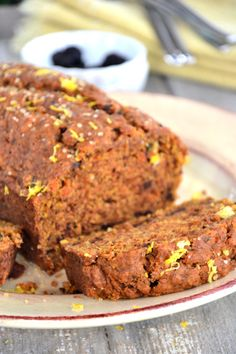 Looking for an easy gluten-free carrot bread recipe? This healthy vegan, egg-free and dairy-free bread can be made all year long! Gluten Free Quick Bread, Dairy Free Bread, Vegan Bread, Gluten Free Sweets, Gluten Free Cooking, Vegan Sweets, Gluten Free Recipes, Vegan Gluten Free, Bread Recipes