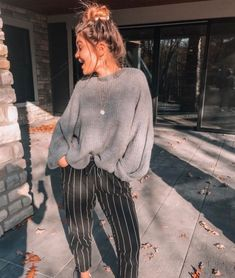 Casual Fall Outfits That Will Make You Look Cool – Fashion, Home decorating Mode Outfits, Casual Outfits, Fashion Outfits, Womens Fashion, Fashion Trends, Cute Comfy Outfits, Woman Outfits, Fashion Shoes, Fashion Ideas