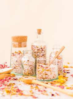 Weekly Roundup 1.11: DIY Rose Bath Salts from Paper & Stitch