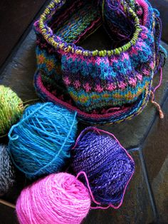 Ravelry: FatCatKnits' Waterville Boogaloo. loving these colors!!!