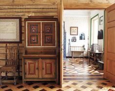 note floor contrast between rooms; also use of parquet to make diamonds.
