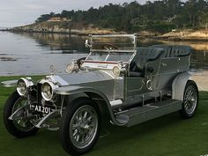 Luxury Car of the World - Rolls Royce.... =====>Information=====> https://www.pinterest.com/paulmmott/13000-cars-c/