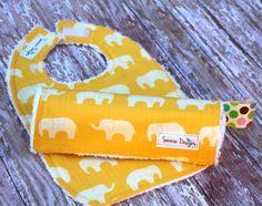 Organic Baby Bib & Burp Cloth Set  Ellie Fam in by Saravadesigns, $18.00