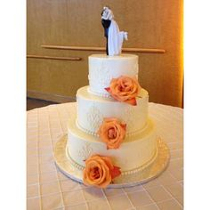 Lovely piping work - wedding cake