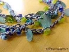 How to Crochet with Beads (The Stranding Technique) ✿Teresa Restegui http://www.pinterest.com/teretegui/✿